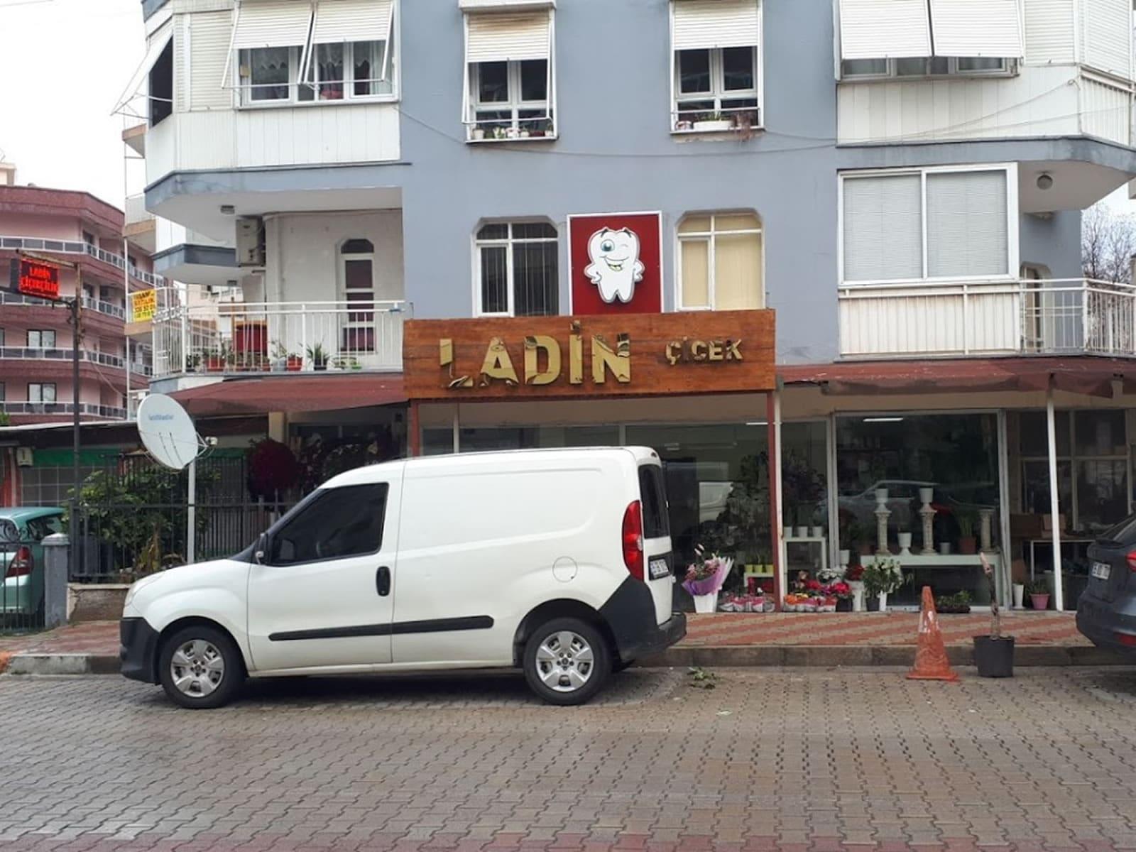 İzmir Ladin Çiçekçilik